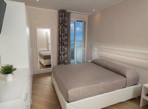 camera da letto bilo fronte mare